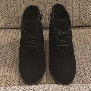 DR7) Women's brand new Lucky Brand Shoes,